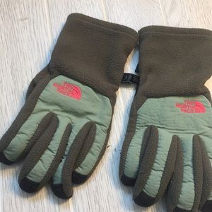 The north face olive and pink gloves